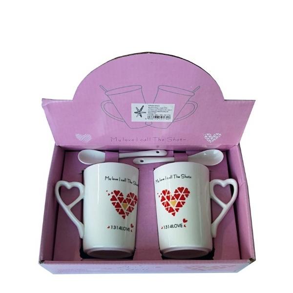 Два броя керамични чаши Love
